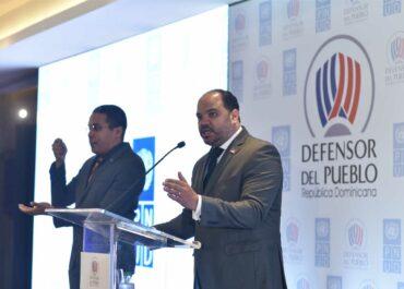 Pablo Ulloa presenta plan de trabajo en Defensoría
